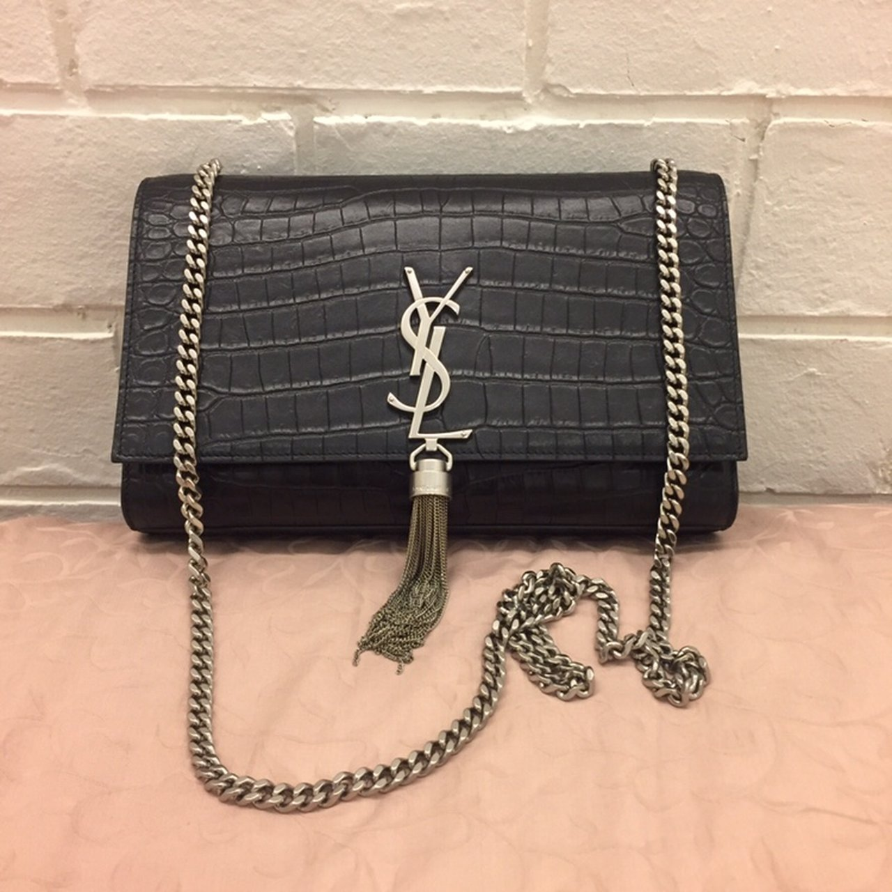 5b74e5d96f82  bibibabibu. 6 months ago. United Kingdom. Saint Laurent Medium Kate  Monogram Tassel bag ...