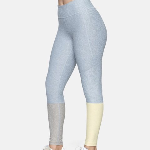 0263508775fb2 @whitefox1301. 9 months ago. New York, United States. NWT Outdoor Voices 7/8  Dipped Leggings Blue Gray & Dandelion Yellow size small