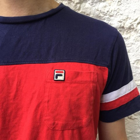 54679cd0 @butternubs. 6 months ago. London, GB. Vintage Fila White Line T shirt.