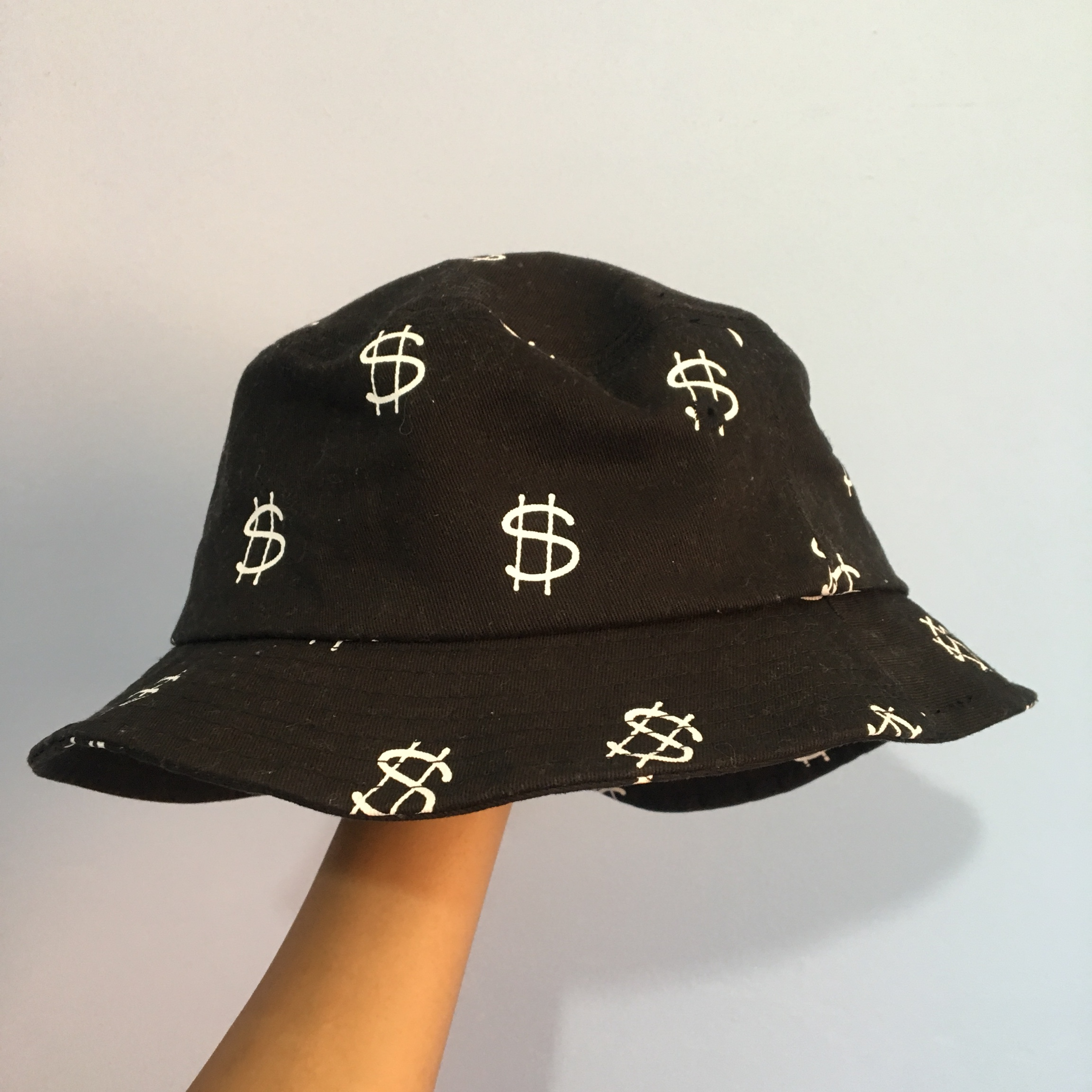 88ee19c25 Stüssy Money Bucket Hat Worn RRP: £26 - Depop
