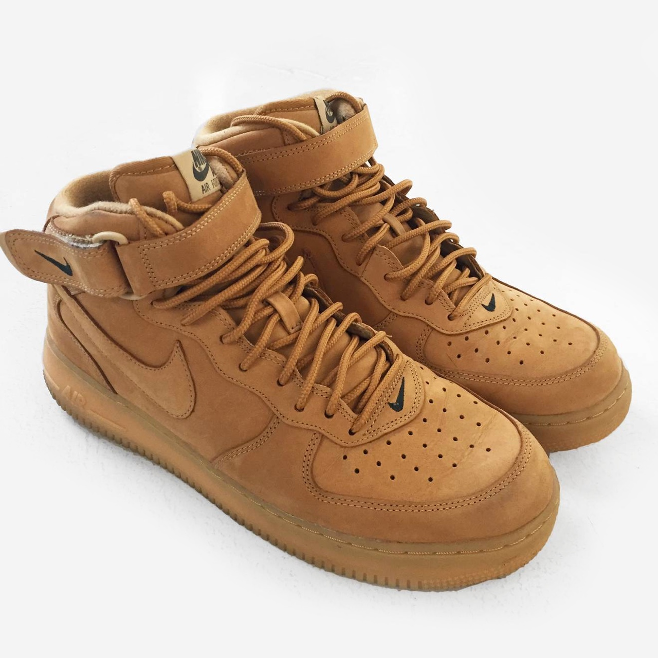 meet f73cb d54dc Nike Air Force 1 AF1 Mid Flax Wheat / Pre-owned /... - Depop