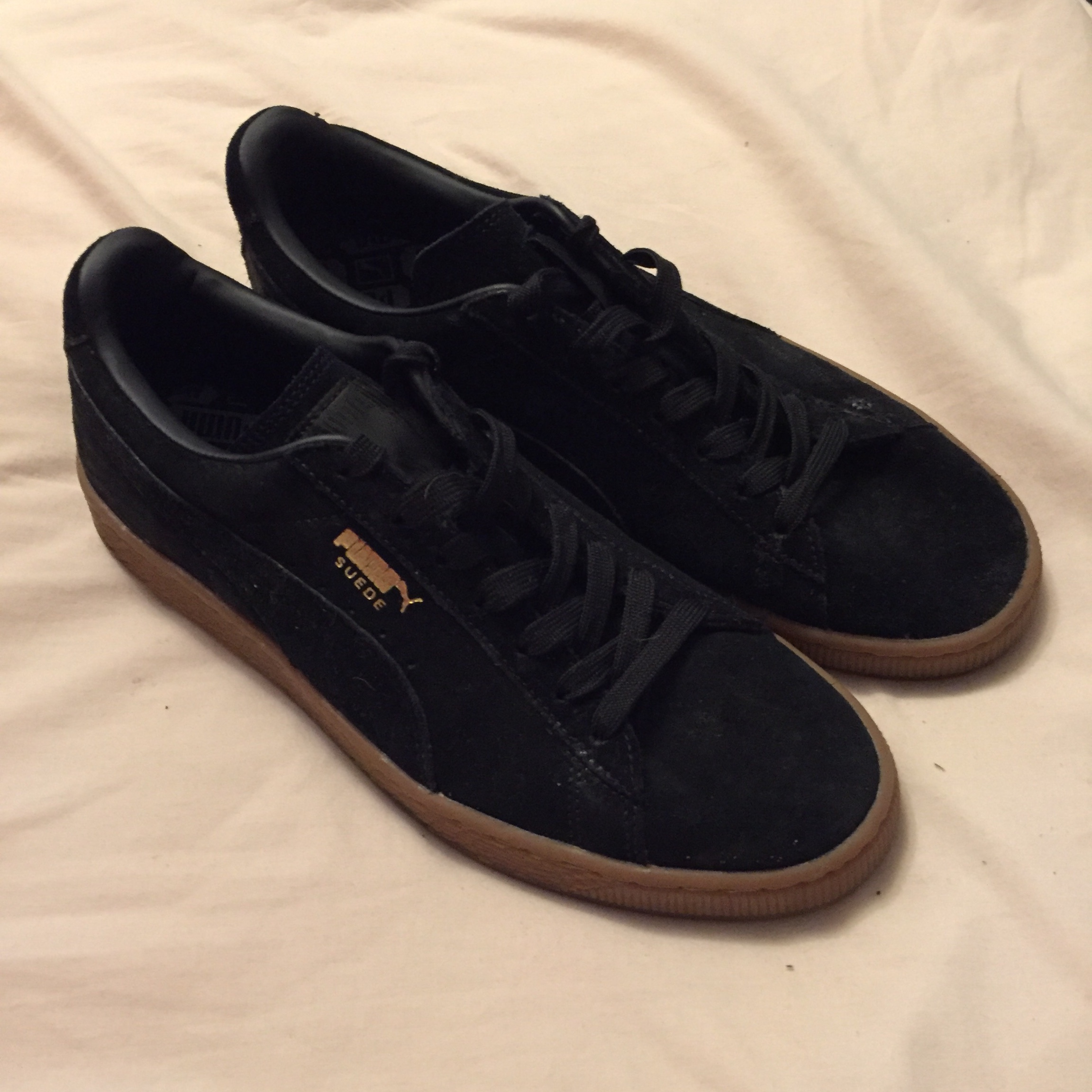 Men's puma suede trainers. Size 9 and do fit true to Depop