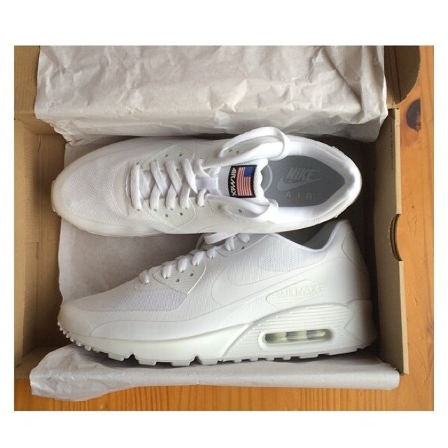 the latest b410c bd40a  sneaksmcr. 5 years ago. Manchester, UK. Nike Air Max 90 Independence Day  white ...