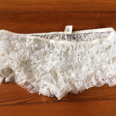 05a3c9fb2938 Frederick's of Hollywood White Lace Ruffle boy short panty. - Depop