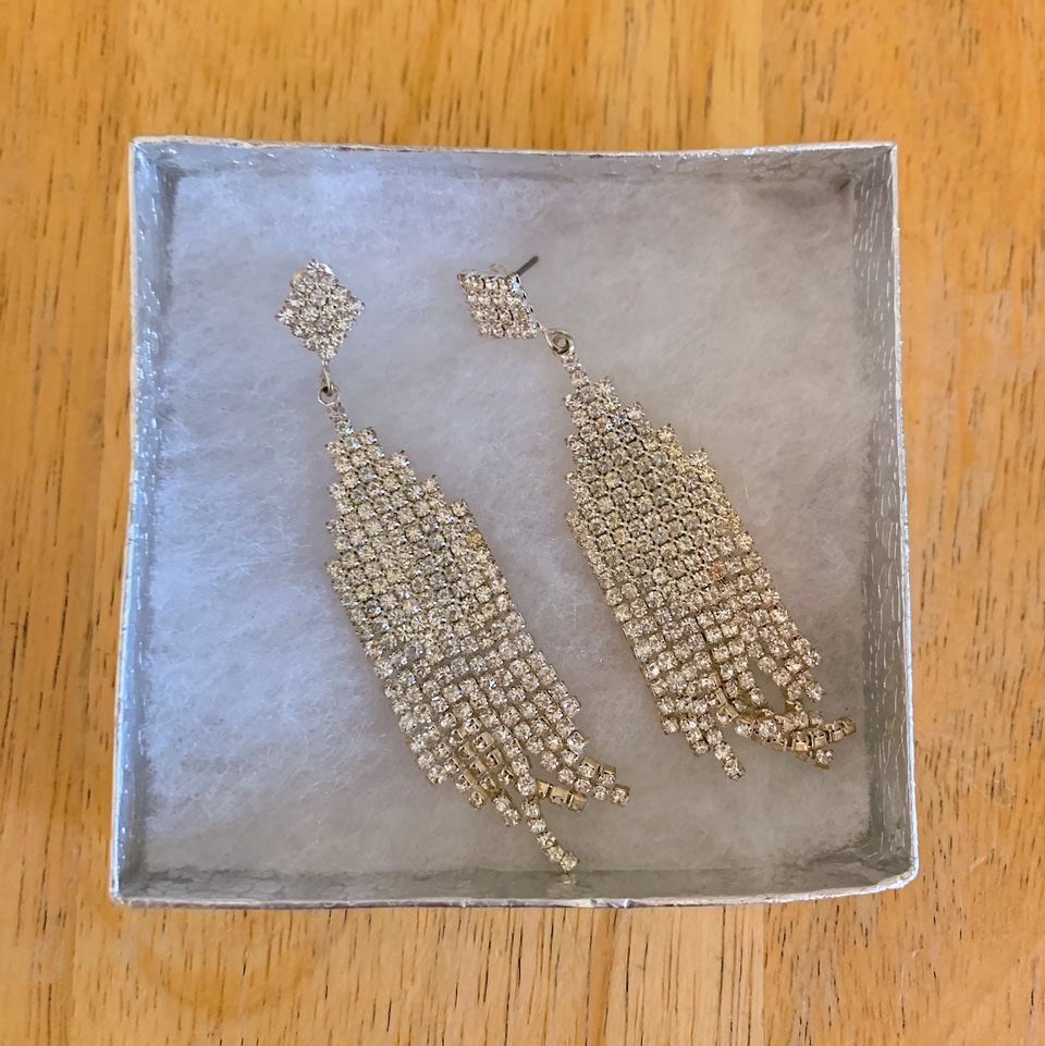 GORGEOUS OCCASION EARRINGS