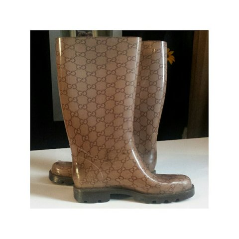 6d18c558015 Gucci Rain Boots. Size 37 worn but still in good condition - Depop