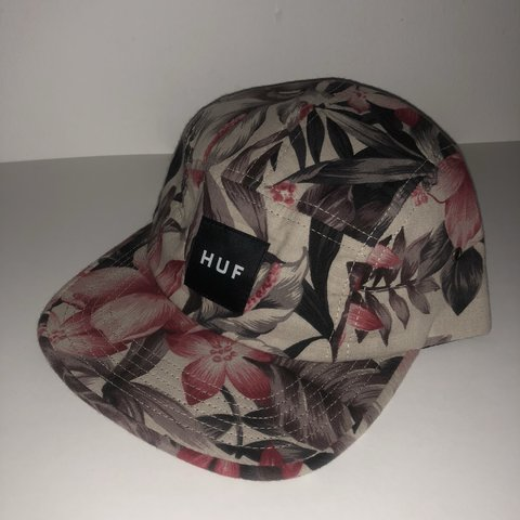 32874dc776ba5 Floral HUF 5 Panel Hat. Fantastic condition. Free shipping - Depop