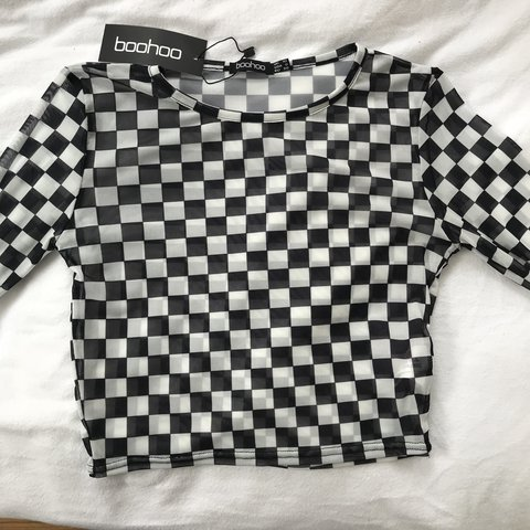 e98511fa66b @tashanewton_. last year. Royston, United Kingdom. Boohoo black and white checkered  long sleeve crop top, brand new ...