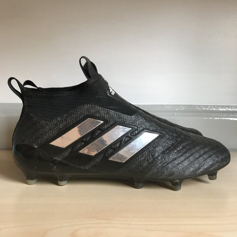 0fb03ee5fb6d Adidas Laceless Football Boots - Size 10. Only worn twice. - Depop