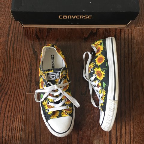 95b7626c1d83  marykskb. 9 months ago. United States. Sunflower print low top Converse ...