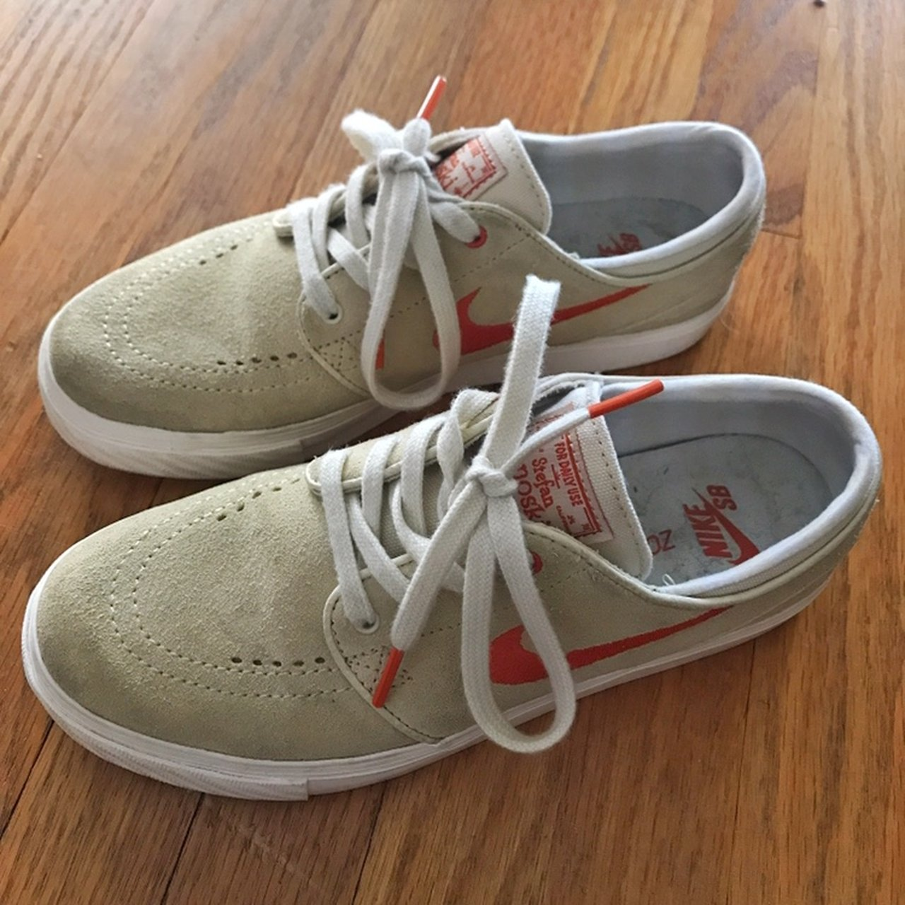 Nike ~ Stefan Janoskian🔗 They are skate shoes. Size 5 in   - Depop 63d9dab54c