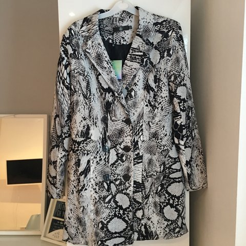 47df073f262a @acampbell1. last month. Stockport, United Kingdom. MISSGUIDED SNAKE PRINT  BLAZER DRESS SIZE 12. NEVER BEEN WORN ...