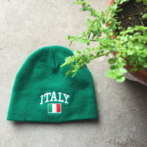 a243677e8cd Italy embroidered flag and letters green beanie hat. Inside - Depop