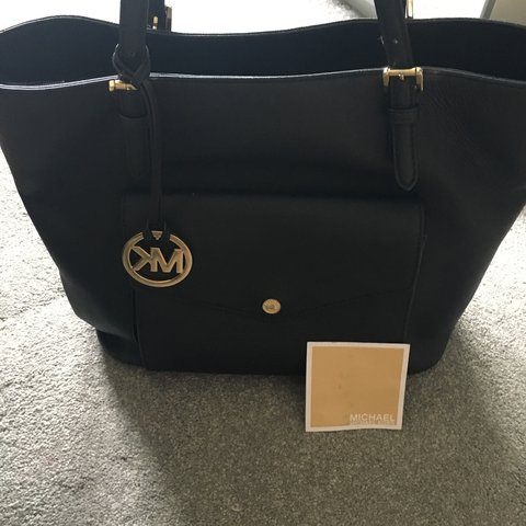 a77d5b2d3616 Authentic Michael Kors Black Tote bag with gold detail. Been - Depop