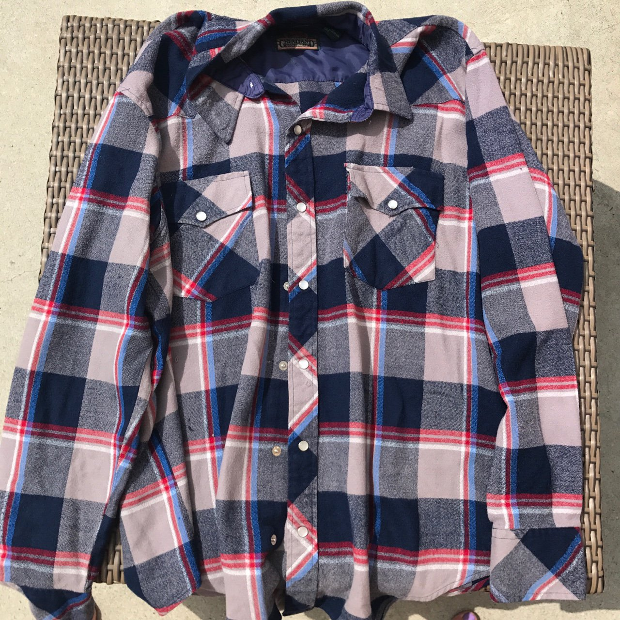 58a04810ec7e @rawrkookie. 2 years ago. Los Angeles, United States. Grey, blue & red  accented men's button down flannel