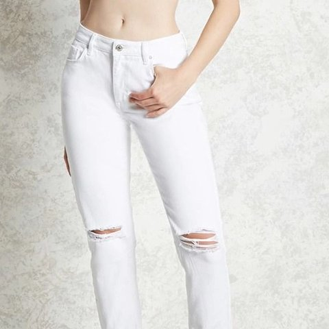 ddc72b6384d4 price drop!! Rly cute ripped white mom jeans! From forever   - Depop