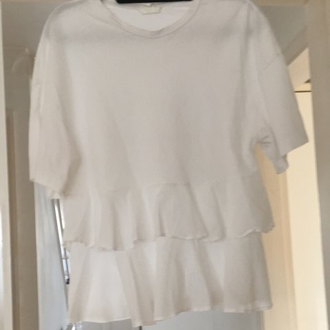 e07e159de8 White frill top Brought of vinted ( don t suit me ) In good - Depop