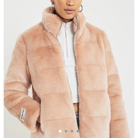255e6108 PRICEDROP! FOR THIS WEEKEND ONLY JAKKE penny pink faux fur - Depop