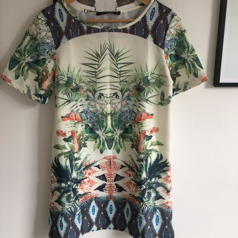 0be67652 ZARA STYLE • Size M (would fit 8-10) tropical print dress. - Depop