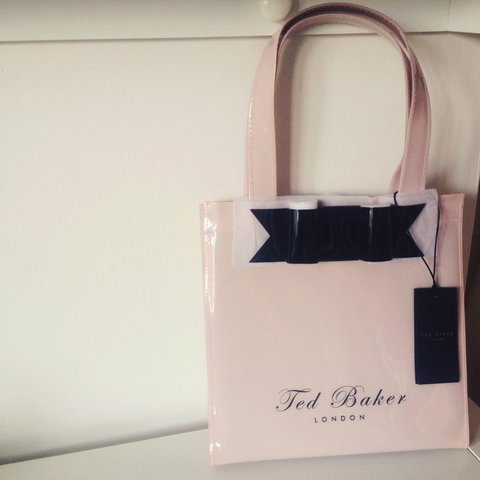 497a57da62 @tazzlexo. 3 years ago. Chelmsford, United Kingdom. Brand New with tags small  Ted Baker tote bag in pale pink. Plastic material.