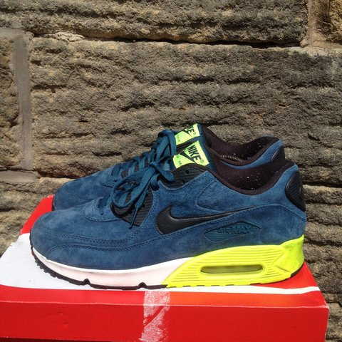 7dba370bb8c6 Men s Nike 90 trainers - Size UK 10. Barely worn. Great new - Depop