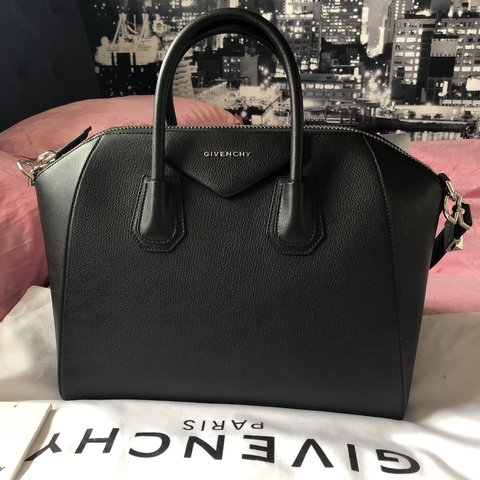4935b3e4d Selling my Givenchy Antigona £1400 Dm me for questions NEW - Depop