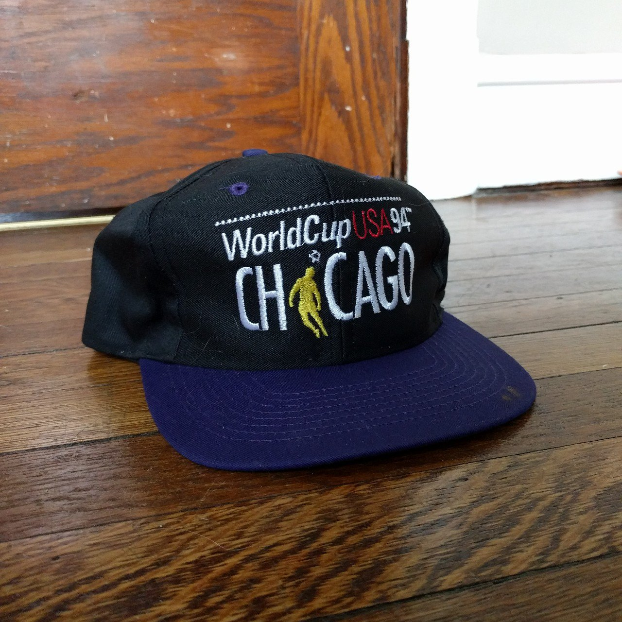 d028fa426f0 Vintage Chicago Bulls SnapBack in amazing condition. Green - Depop