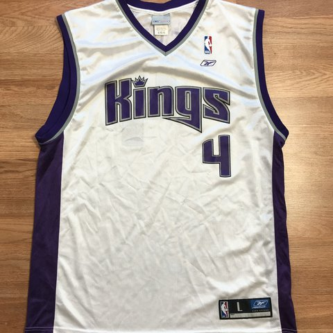 5dd403591c4 ➡ White Men s Reebok Sacramento Kings Jersey  4 Chris - - - Depop