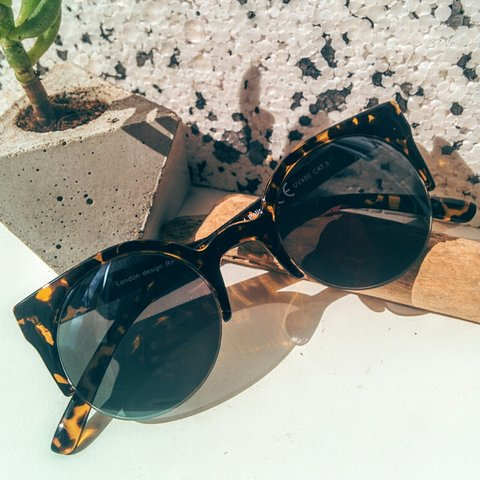 33f40c1d75 Super cool frames for protecting your peepers from the suns - Depop