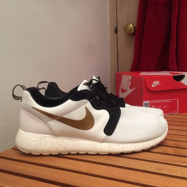 best website a5e91 f346f Dead Stock Nike Roshe Run- 0