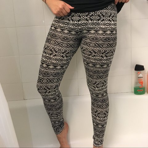 f3e5ad852ffbd @amgonzalez4. 2 years ago. Cambridge, United States. Lightly Warn Black and White  Patterned Leggings ...