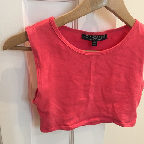 c212bd890a779 FREE POSTAGE baby pink crop top topshop petite - worn so but - Depop
