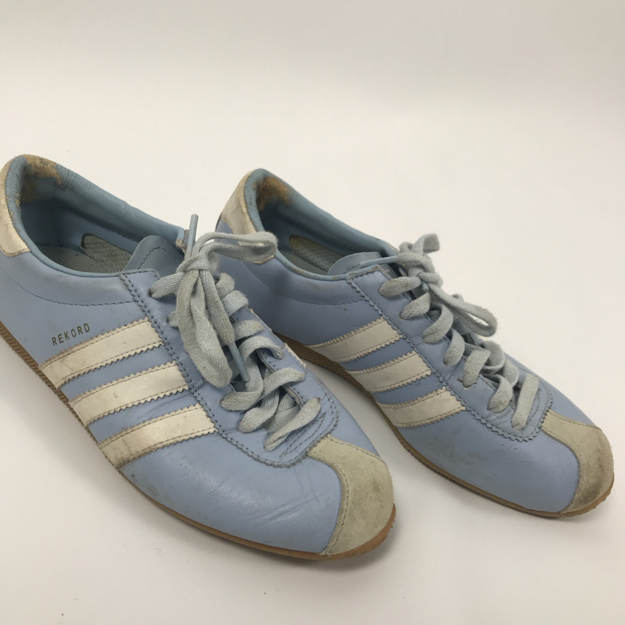 prix le plus bas cb91c dc52c Adidas Rekord Trainers Size 5 In baby blue Leather... - Depop