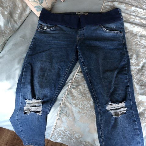 dbe37eec8b548 Topshop maternity over the bump ripped Jamie jeans. to fit - Depop