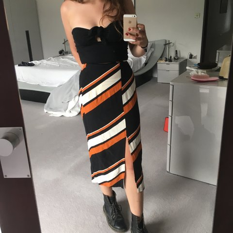 03b0e626552 Sassy maxi skirt with split from Topshop with diagonal worn - Depop