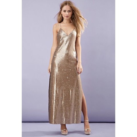 6d9dac248166 @miagomezzz. 8 months ago. London, United Kingdom. FOREVER 21 GOLD  HIGH-SLIT SEQUINED MAXI DRESS Size 10, worn only once ...