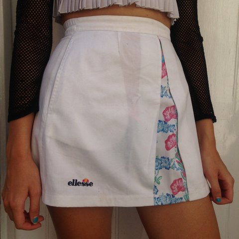b2e6bdb61d @kashaclifford. 3 years ago. London, UK. Vintage ellesse sport skirt!! Size  6/8.