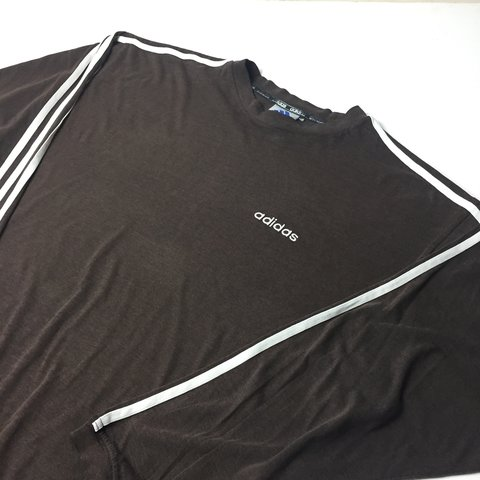 c42fb14fd @alhyslop. 2 years ago. Aveley, UK. Vintage Adidas long sleeve T-Shirt.  Brown. Good used condition. No size labels but fits a large men's.