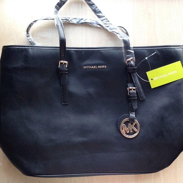 fe7e5815515d MK (Michael kors) Jet Set Tote inspired bag. Black leather - - Depop