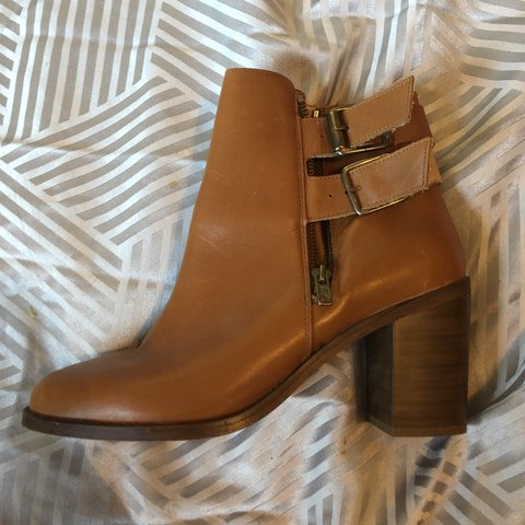 3ca33a29a8108 Size 7 camel tan colour ankle boots with a heel, double sooo - Depop