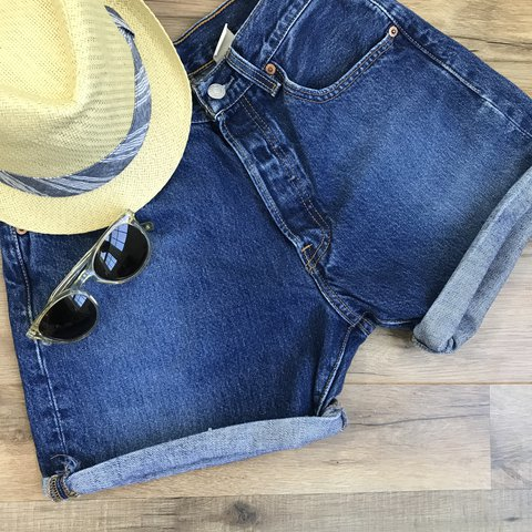e9f92115 @hellomagpie. last year. Swansea, United States. Vintage Levi 501 high waist  jean shorts. 5 pocket. Button fly. These ...
