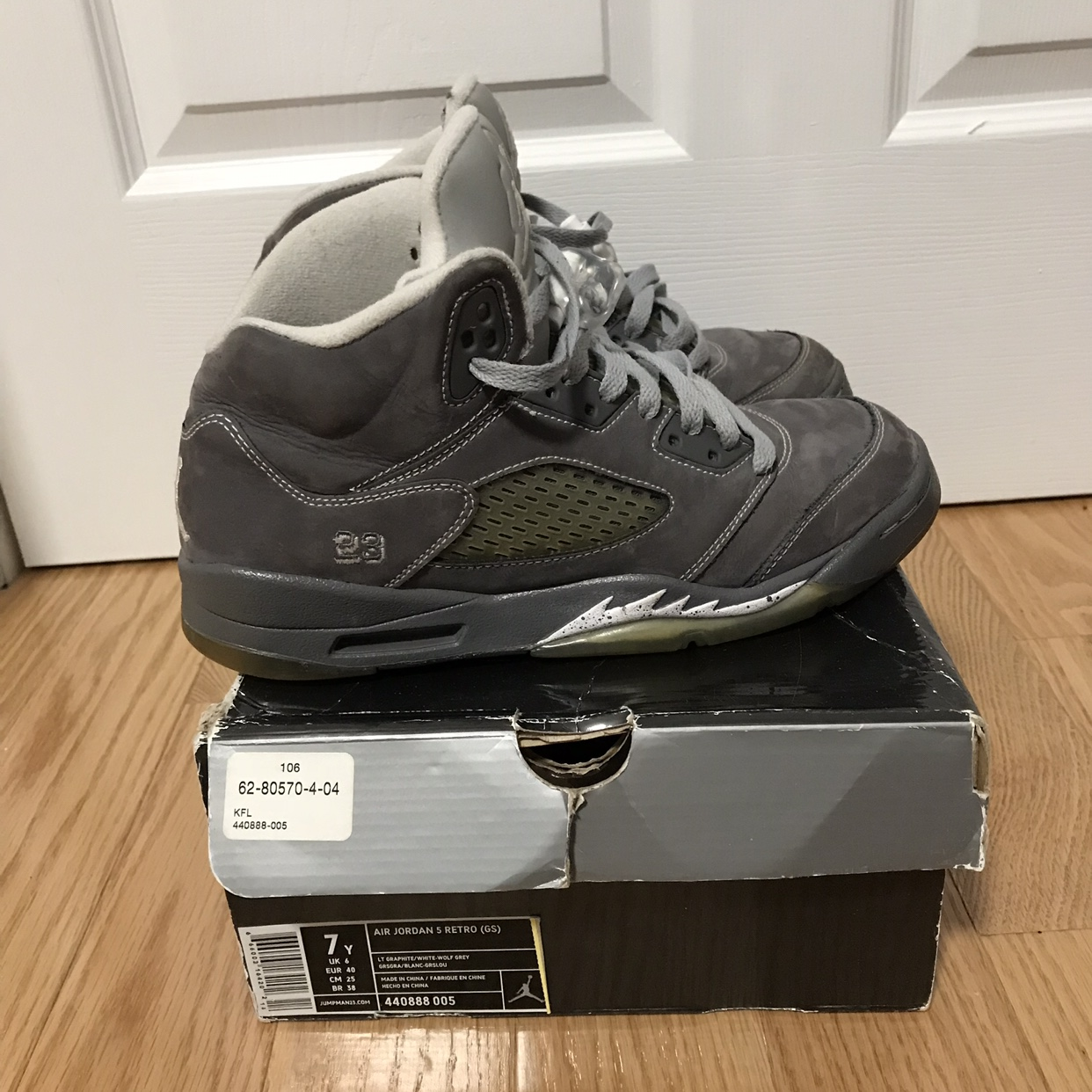 new concept c00f5 8ffe2 Jordan Retro 5 Wolf Grey Size boys 7Y or womens 8.5... - Depop