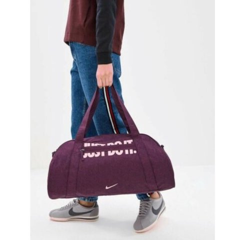 a45ae139b30901 @jklamison. 3 months ago. United States. Nike GYM CLUB Training Duffel Bag