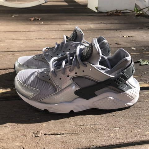 24cf0609c7d14 ️ON HOLD DO NOT PURCHASE‼ GREY NIKE HUARACHES grey and - Depop