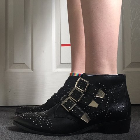 e27a6737f728 BLACK LEATHER STUDDED ANKLE BOOTS WITH SIDE ZIP AND SMALL A - Depop