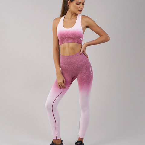 51143d255abe28 @vicstaaar. last year. Cambridgeshire, United Kingdom. Gym shark ombre  seamless sports bra in chalk pink/beet.