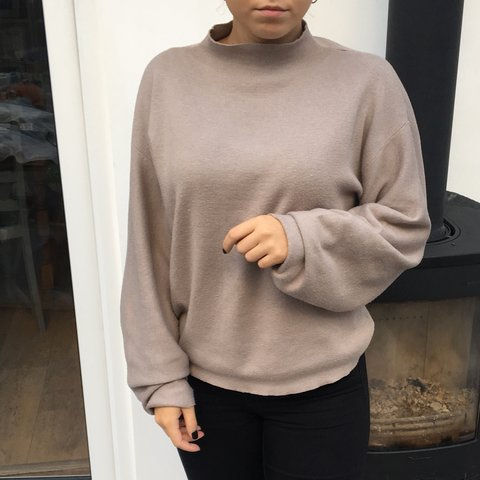 20970d8b12062 H&M grey beige greige jumper with balloon sleeves and slight - Depop