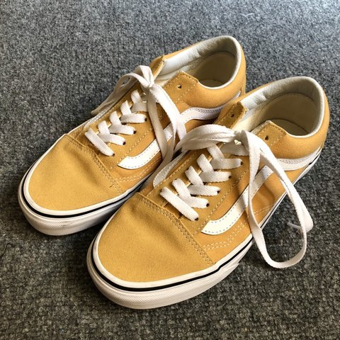 8c1c950477 VANS OLD SKOOL SHOWS IN OCHRE! size 5.5 mens   7 womens.   - Depop