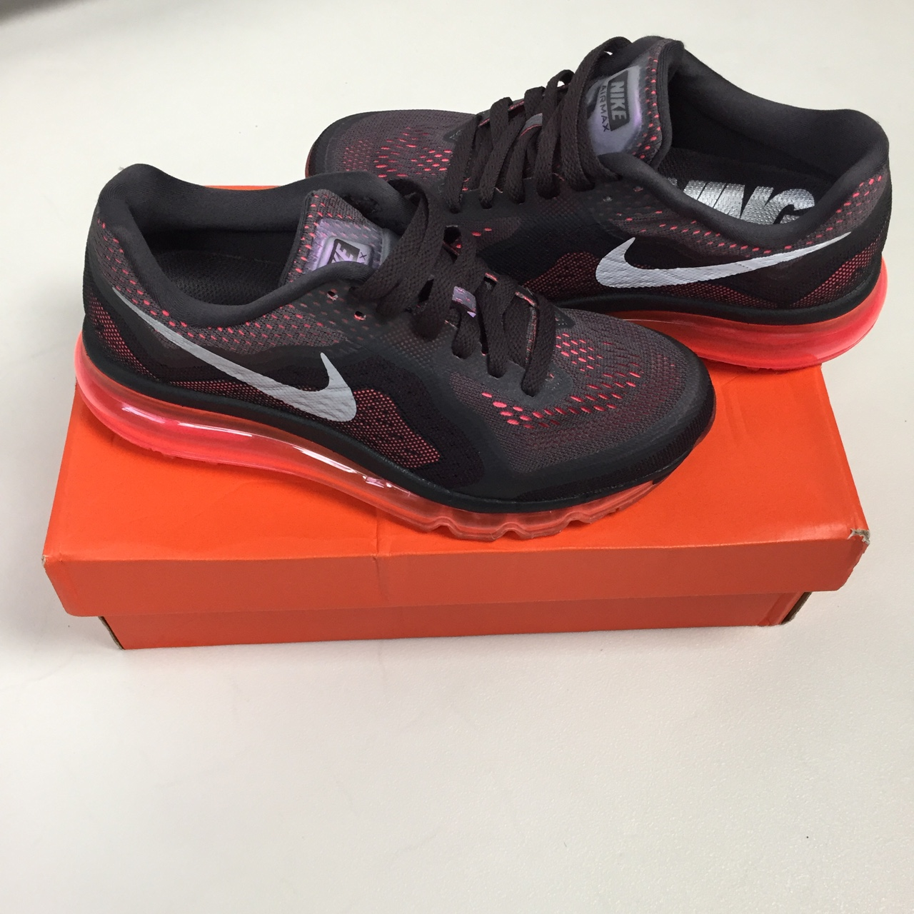 Nike air max running neutral ride. #model 621078 200
