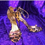 926f9d67688 90s does 70s gold and clear vinyl mules with lucite  vintage - Depop